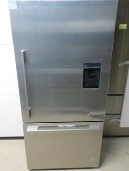 Fisher & Paykel Active Smart RF170WDLUX5 31 Inch Bottom-Free