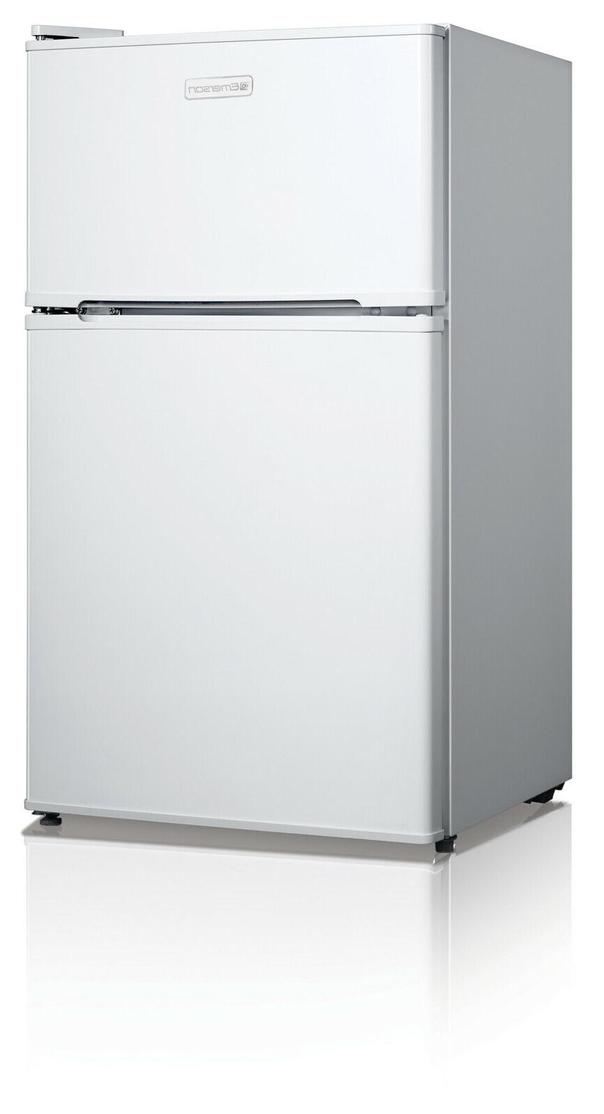 Emerson CR510WE 3.1-Cubic Compact Door, White